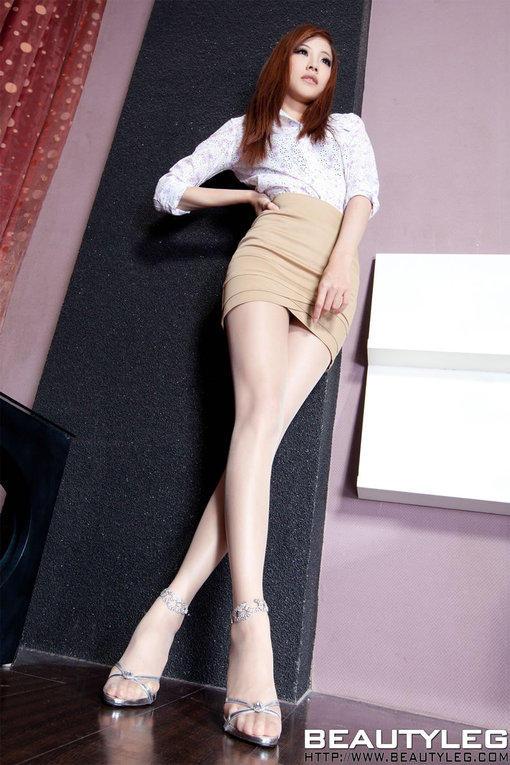 办公室的女秘书 超短裙丝袜诱惑写真 图片 ha