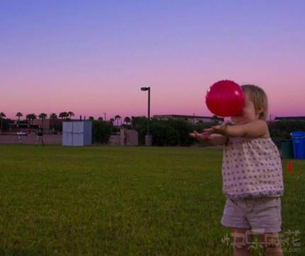 粑粑,和我一起玩儿球吧